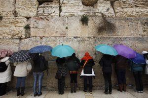 תפילה המונית למען הגשם בכותל