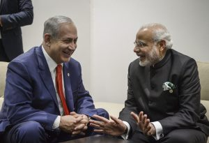 """רה""""מ נתניהו ור""""מ הודו מודי בנתב""""ג. צילום: שלומי כהן, פלאש 90"""