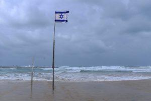 חוף הים בתל אביב, ינואר 2018. צילום: תומר נויברג, פלאש 90