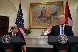 פגישת טראמפ ואבו מאזן בבית הלבן. צילום: קרלוס באריה, רויטרס
