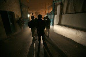 """חיילים צה""""ל מעצר לילה"""
